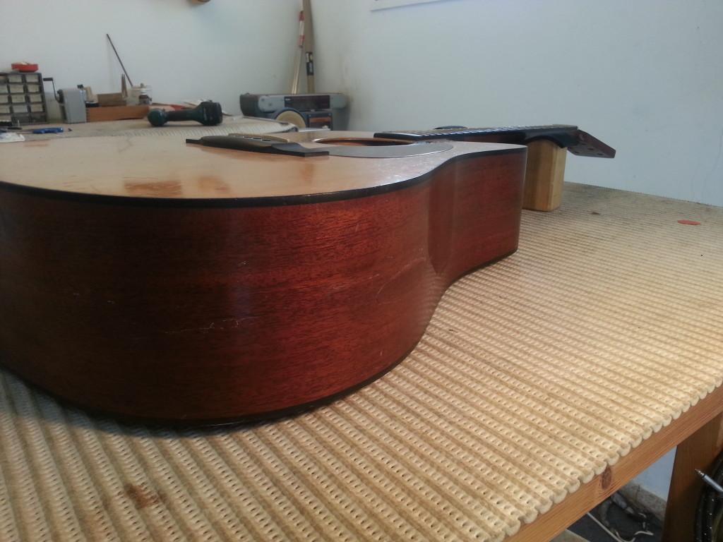 תיקון שבר בגיטרה