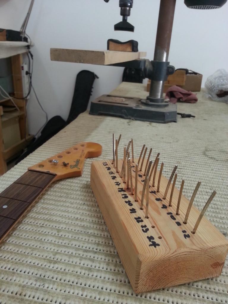 ריפרט לגיטרה חשמלית פנדר